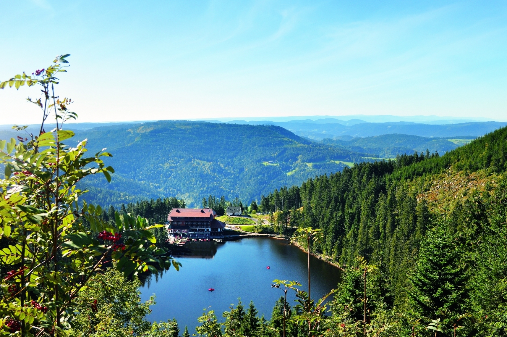 Herrlicher Ausblick auf den Mummelsee und ins Tal