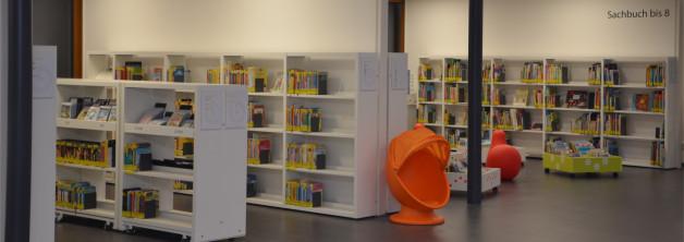 Regale mit Sitzgelegenheiten für unseren kleinen Leseratten